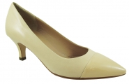 Pumps in beige