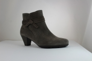 Stiefelette von Gabor in grauem Velour UK 9,5